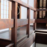 階段まわりも質の良い木材を使用