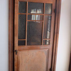 2階の洋室のドアもおしゃれ