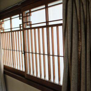 ちょっとした窓も素敵なデザイン